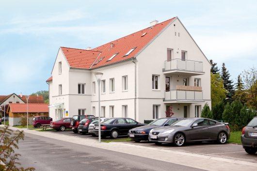 Mehrstöckiger Gemeinde-Wohnbau